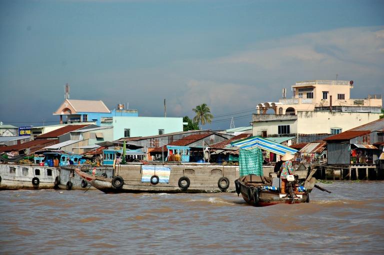 212_floatingmarket